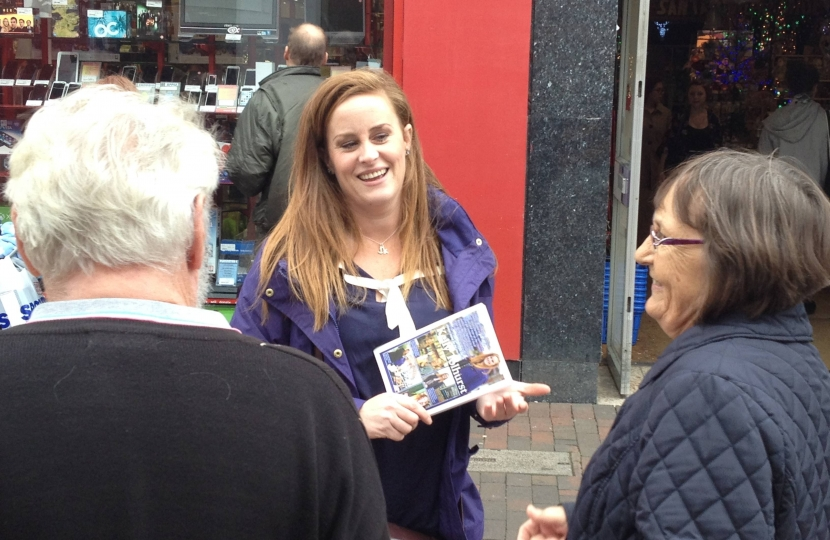 Kelly Tolhurst speaking to voters in Chatham